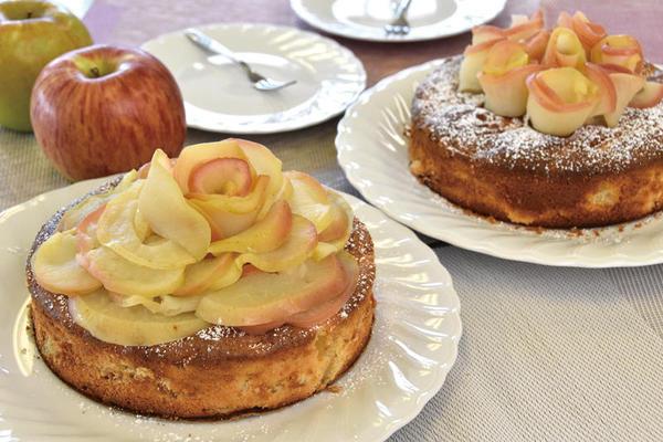 りんごたっぷり お花のりんごケーキ
